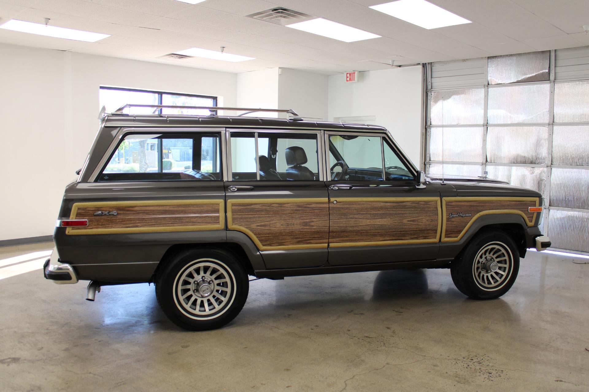 Used-1989-Jeep-Grand-Wagoneer-Acura