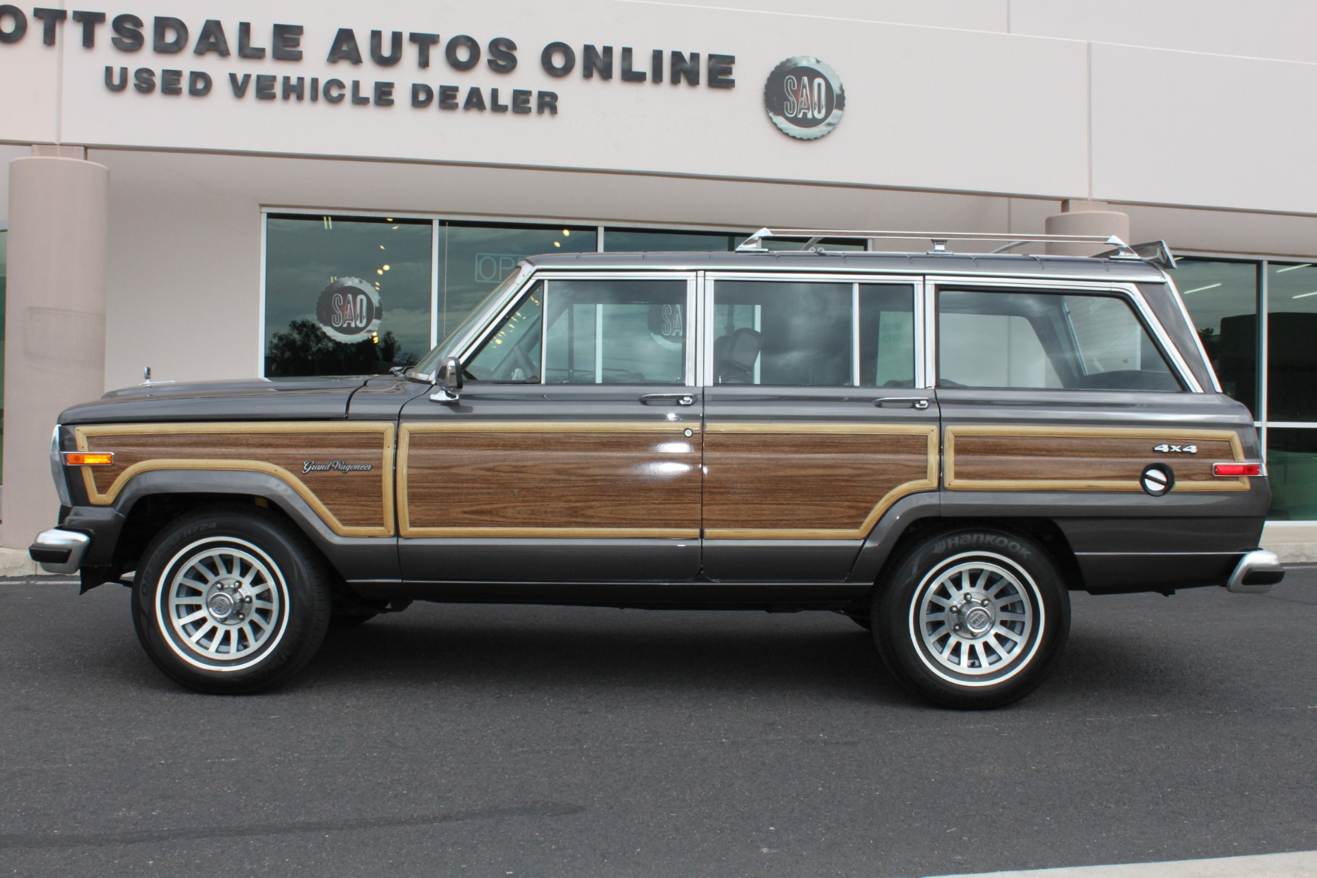 Used-1989-Jeep-Grand-Wagoneer-4X4-Wagoneer