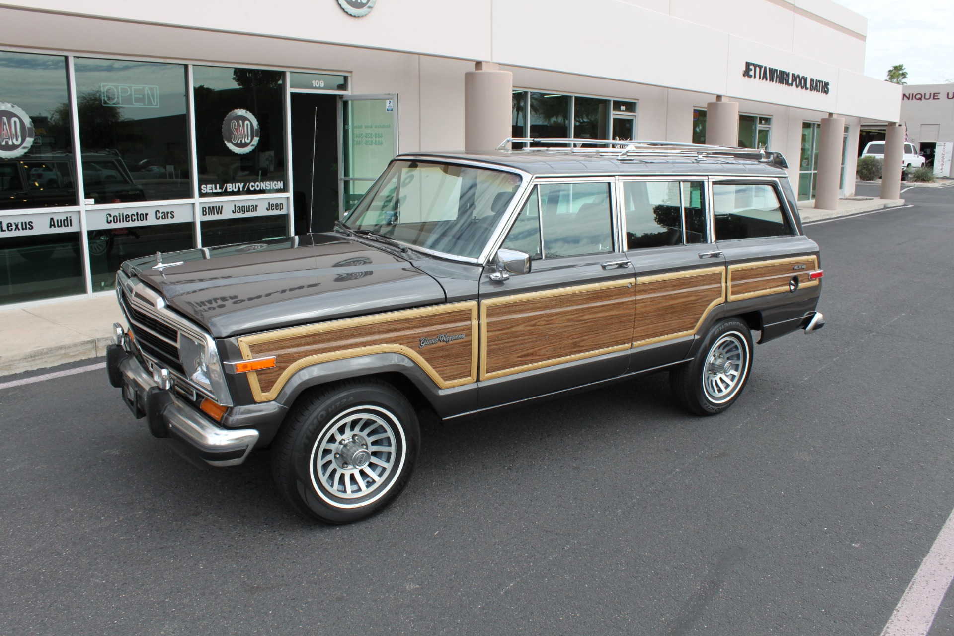 Used-1989-Jeep-Grand-Wagoneer-4X4-LS400