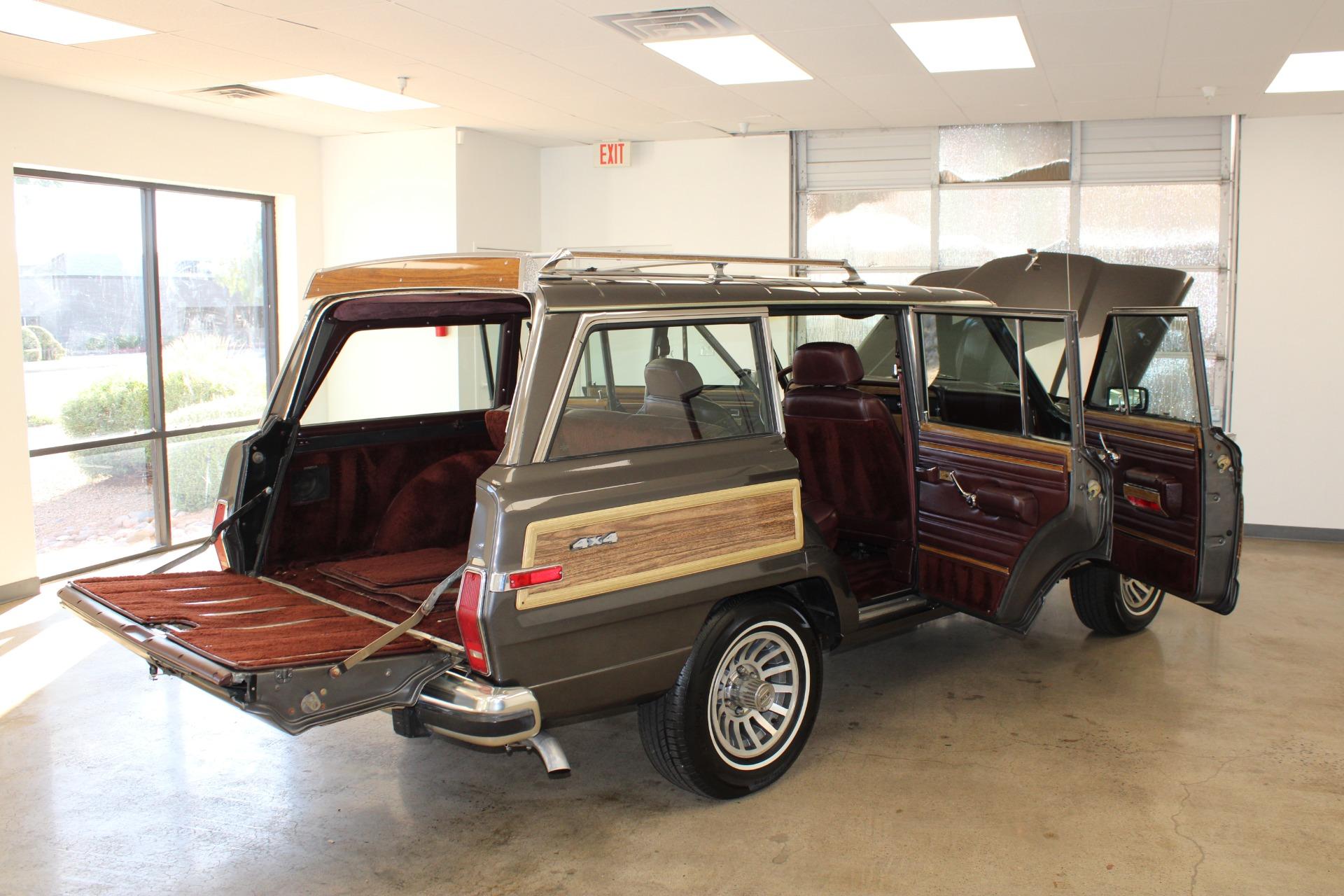 Used-1989-Jeep-Grand-Wagoneer-Jaguar