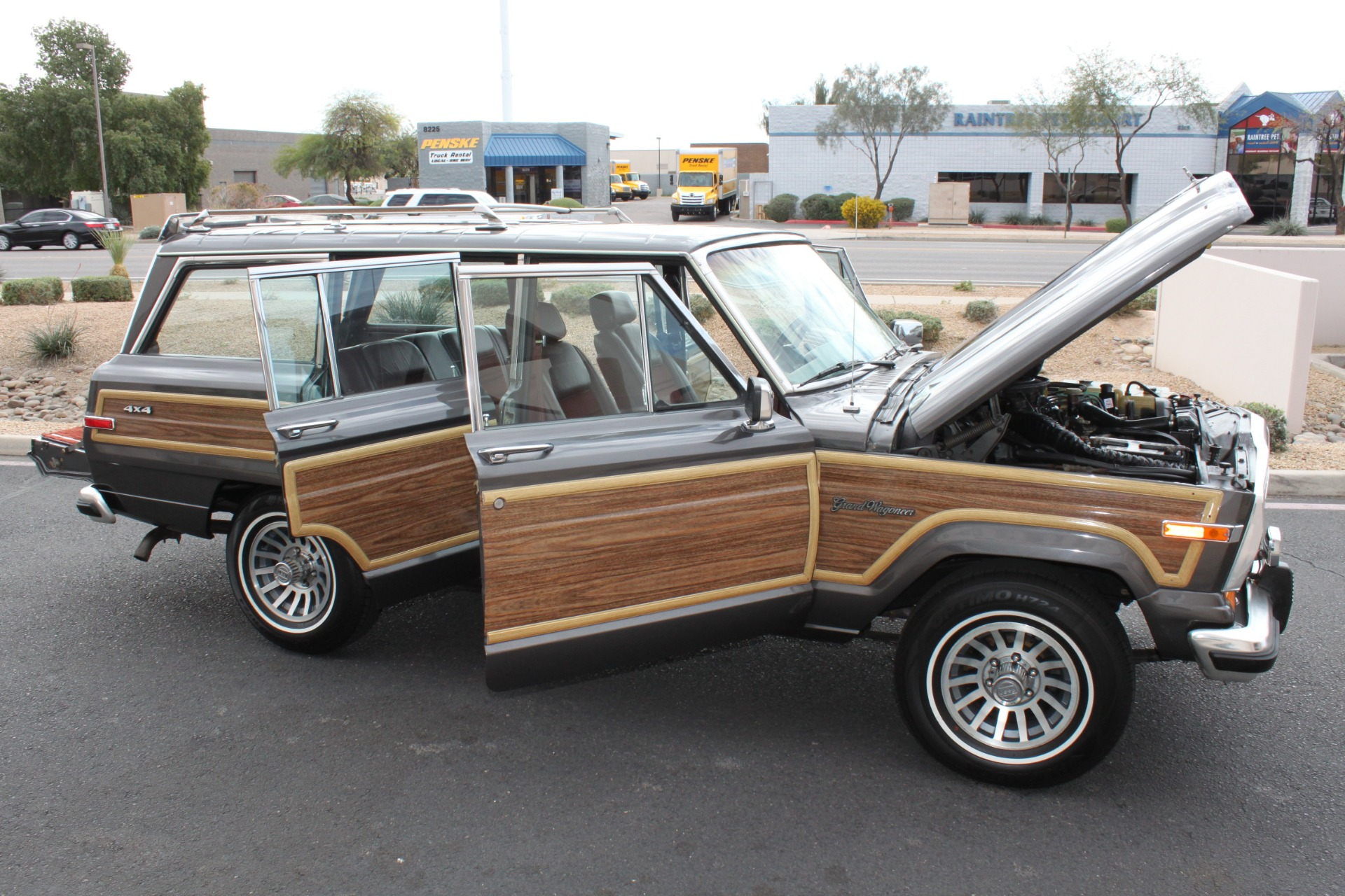 Used-1989-Jeep-Grand-Wagoneer-4X4-Lamborghini