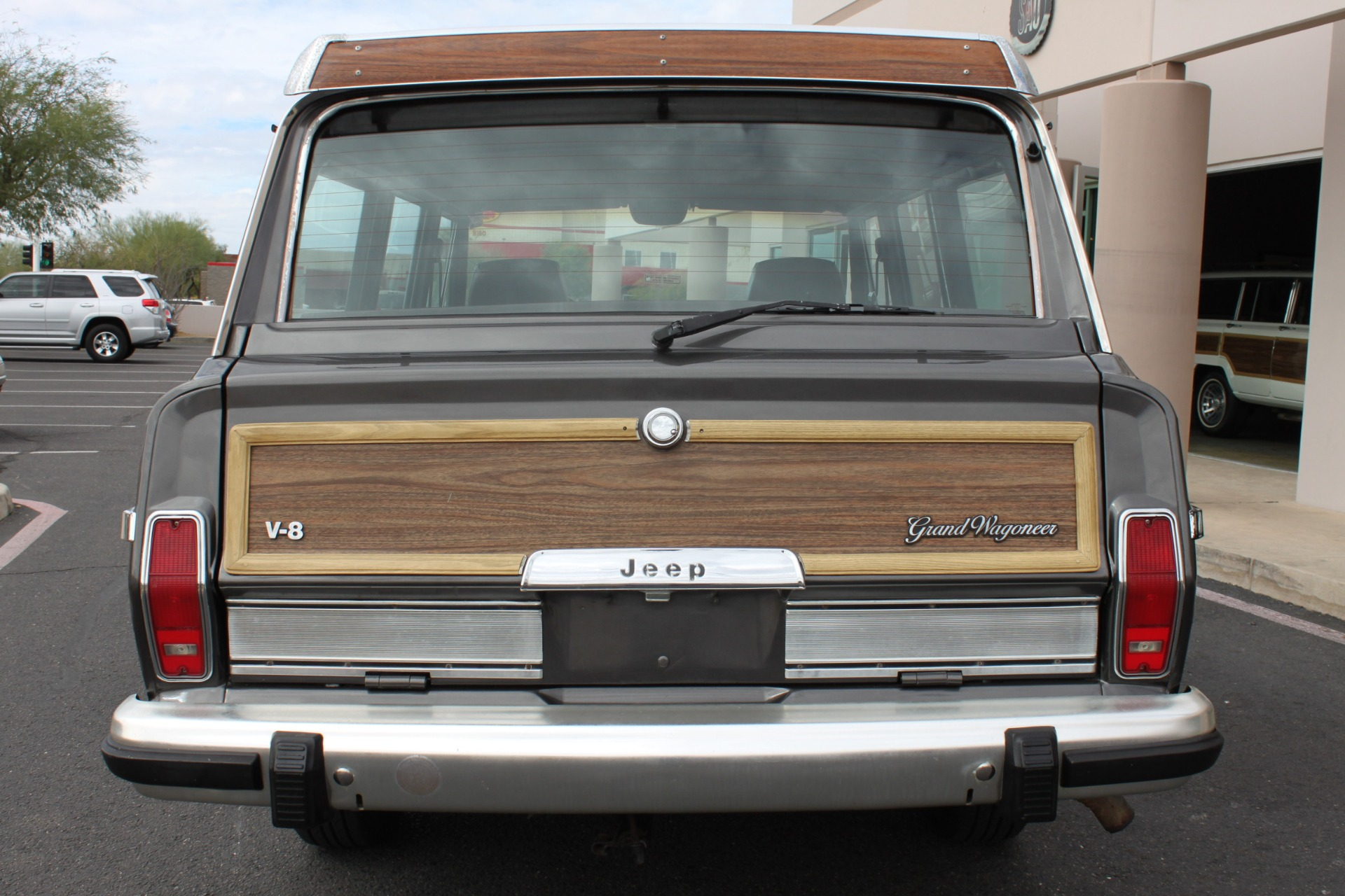 Used-1989-Jeep-Grand-Wagoneer-4X4-Mopar