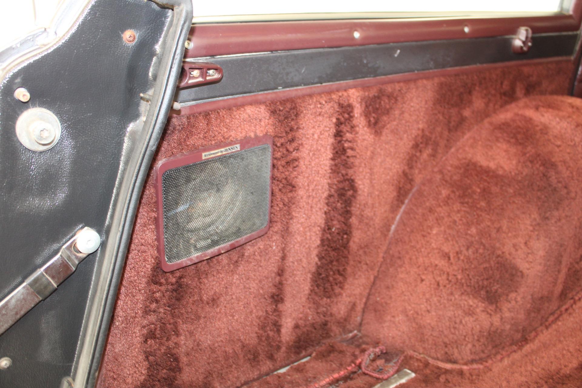 Used-1989-Jeep-Grand-Wagoneer-LS400