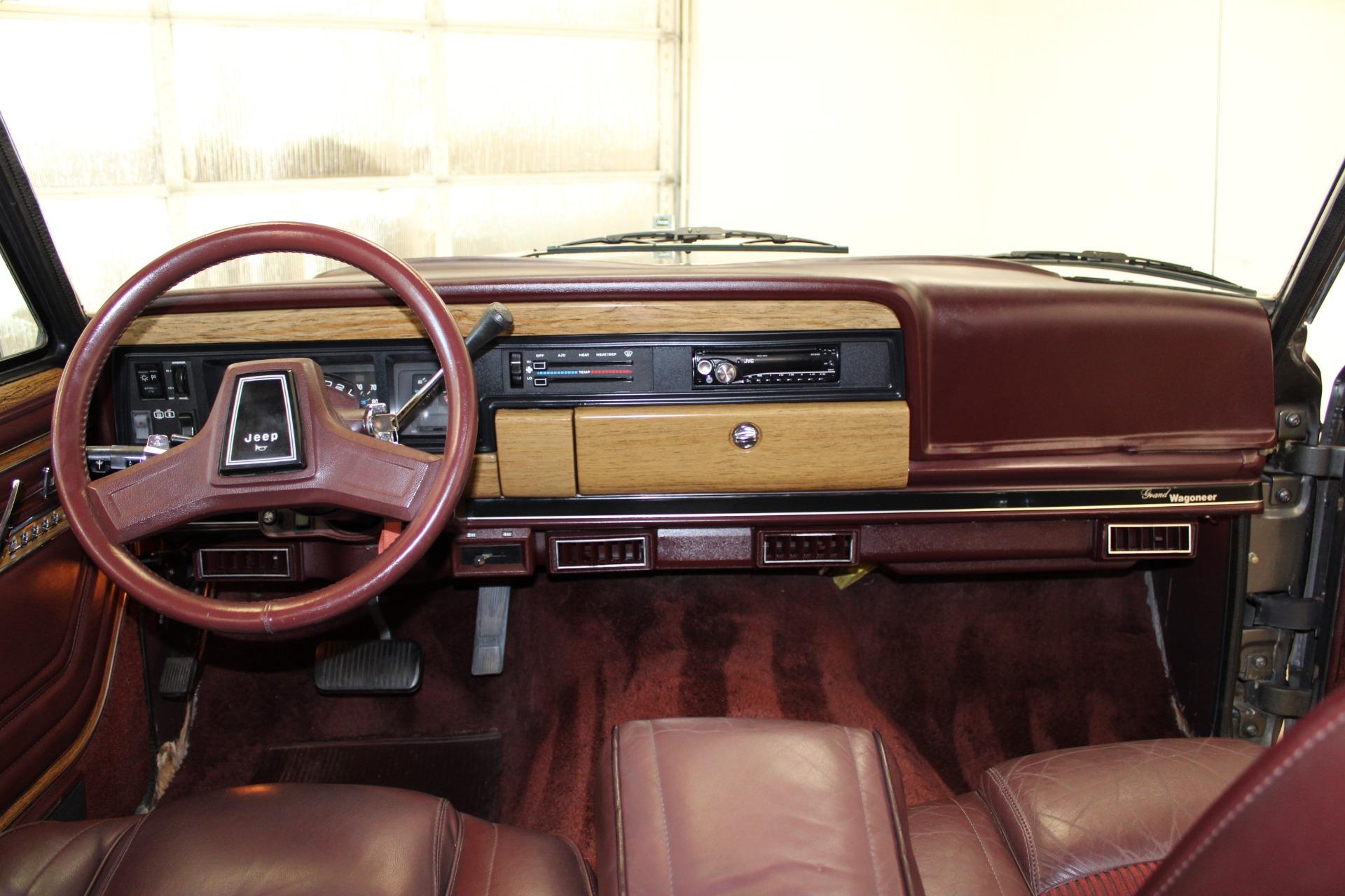 Used-1989-Jeep-Grand-Wagoneer-vintage