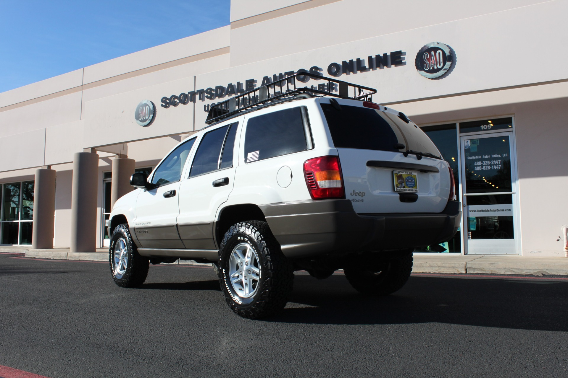 Used-2004-Jeep-Grand-Cherokee-Laredo-LS400