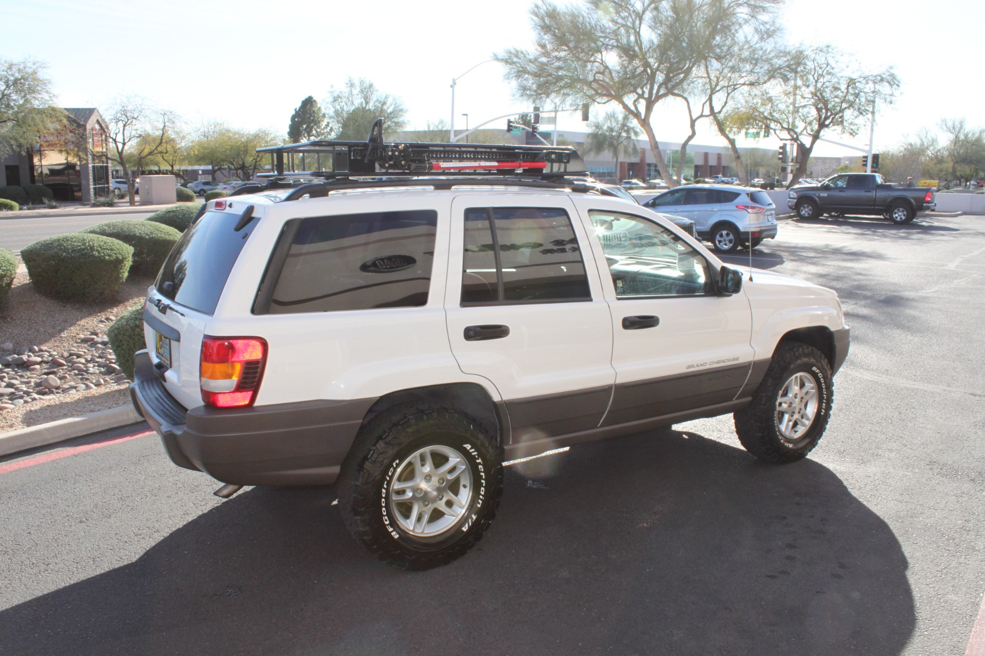 Used-2004-Jeep-Grand-Cherokee-Laredo-LS430