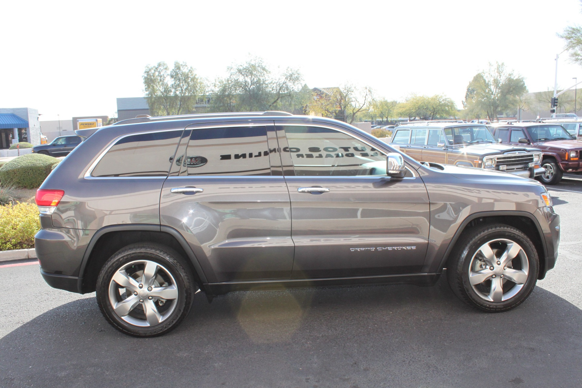 Used-2014-Jeep-Grand-Cherokee-Limited-4X4-Mercedes-Benz