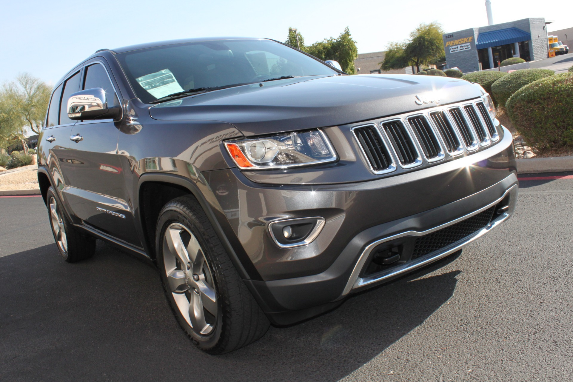 Used-2014-Jeep-Grand-Cherokee-Limited-4X4-Wrangler
