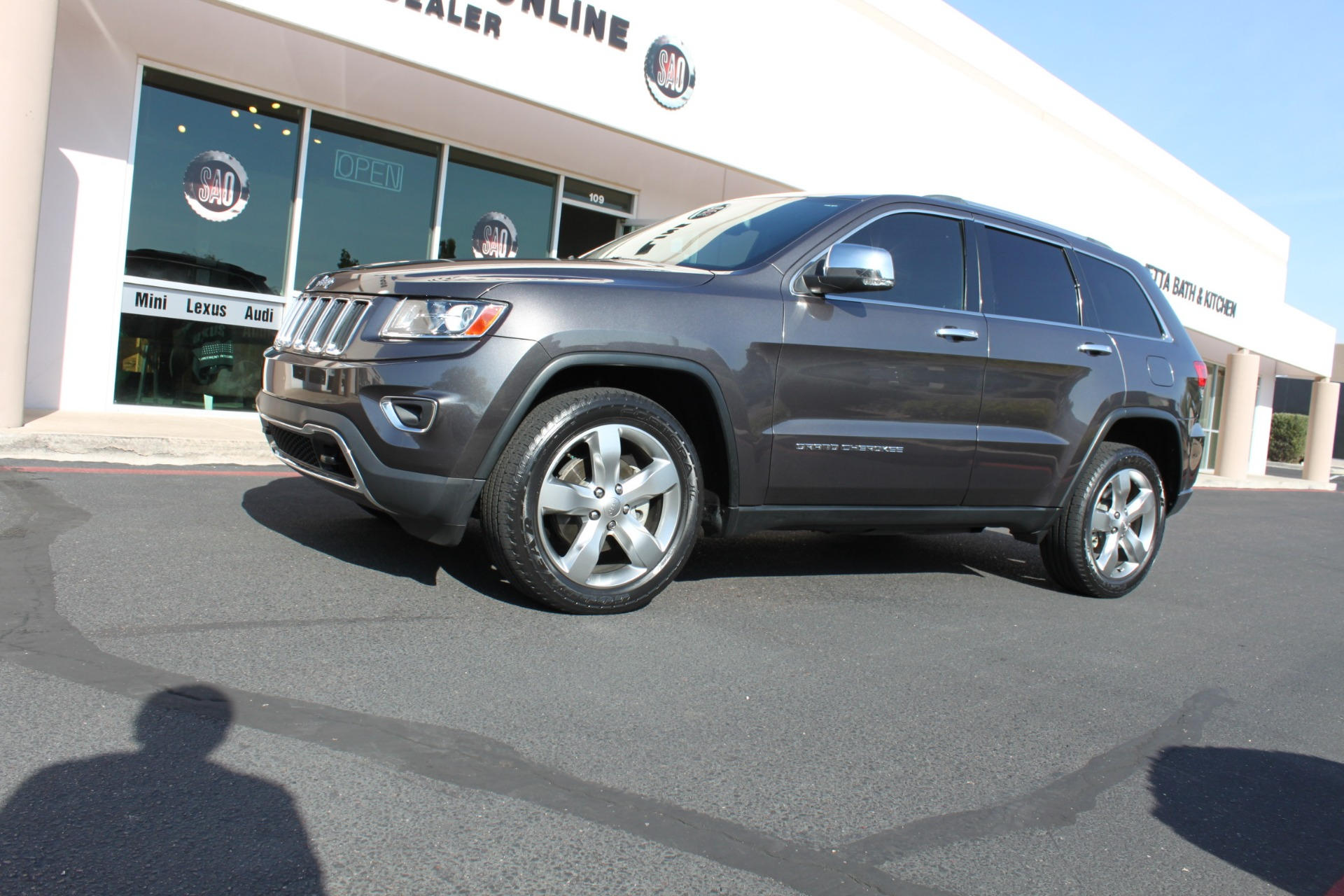 Used-2014-Jeep-Grand-Cherokee-Limited-4X4-Chalenger