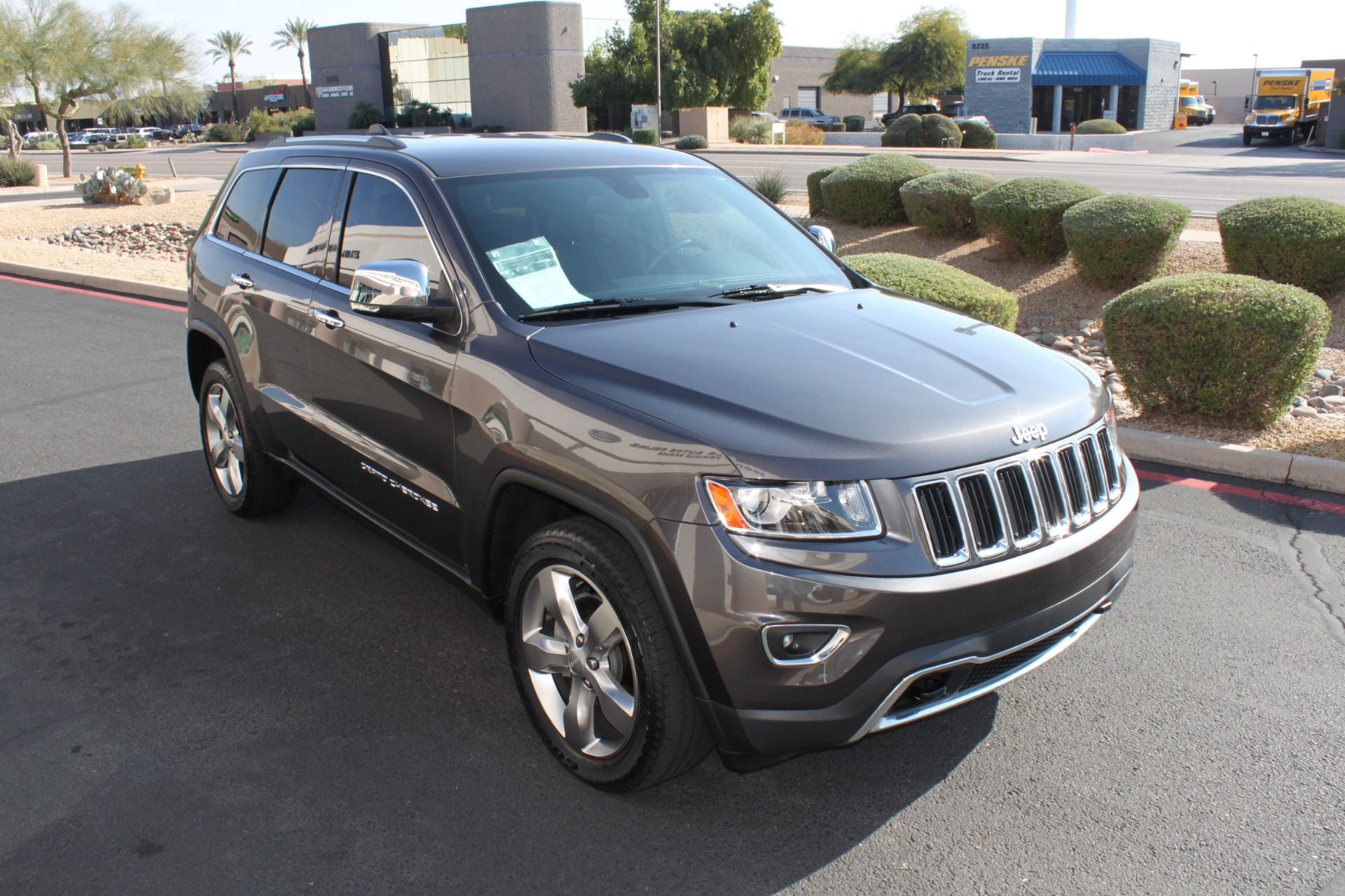 Used-2014-Jeep-Grand-Cherokee-Limited-4X4-Dodge