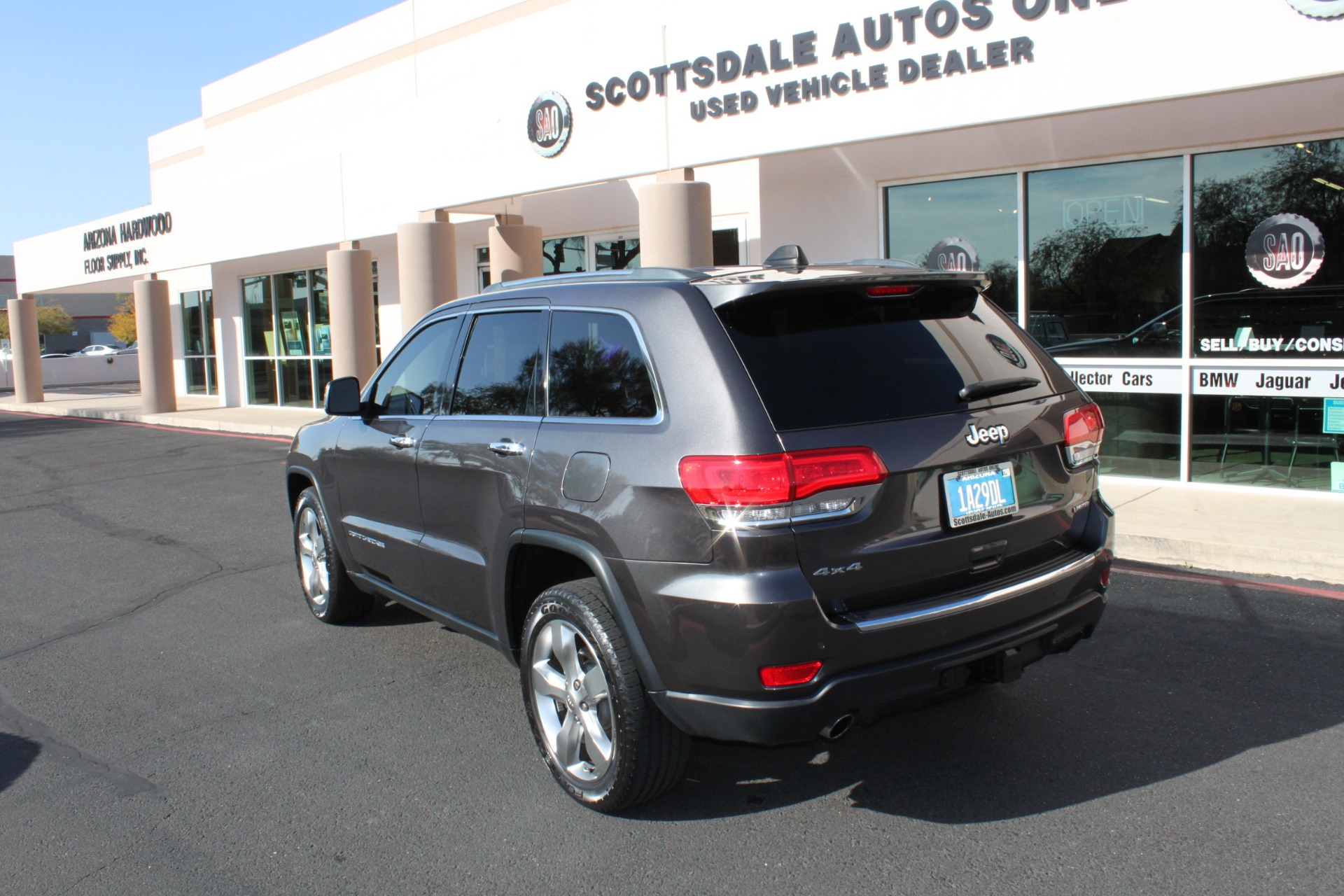 Used-2014-Jeep-Grand-Cherokee-Limited-4X4-LS430