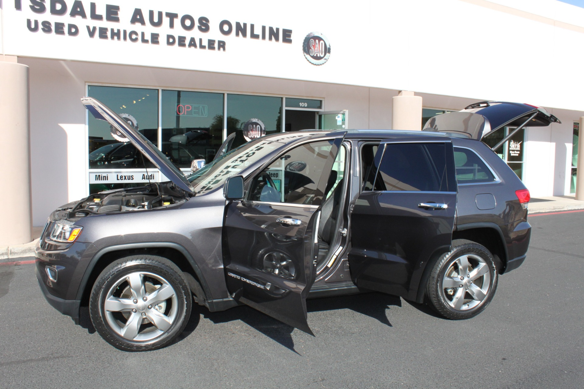 Used-2014-Jeep-Grand-Cherokee-Limited-4X4-Land-Cruiser