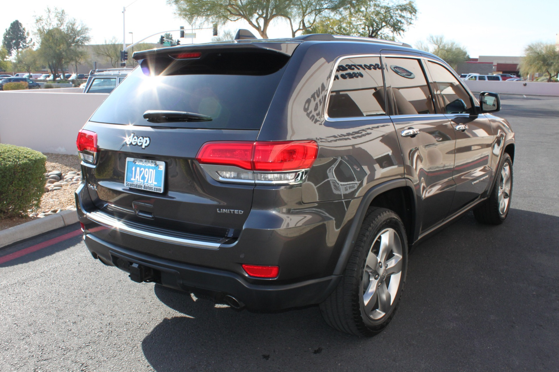Used-2014-Jeep-Grand-Cherokee-Limited-4X4-Classic