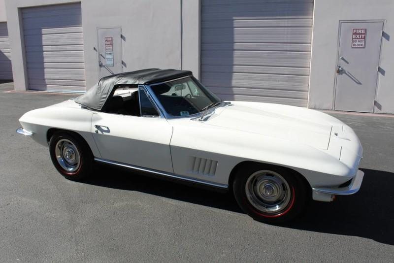 Used-1967-Chevrolet-Corvette-Roadster-Porsche