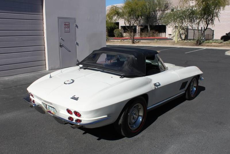 Used-1967-Chevrolet-Corvette-Roadster-Jeep