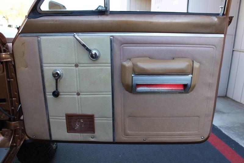 Used-1979-Jeep-Cherokee-Chief-4X4-Levi's-Edition-Alfa-Romeo