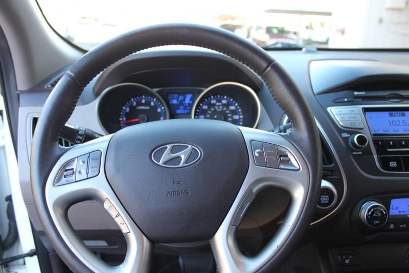Used-2013-Hyundai-Tucson-Limited-Dodge