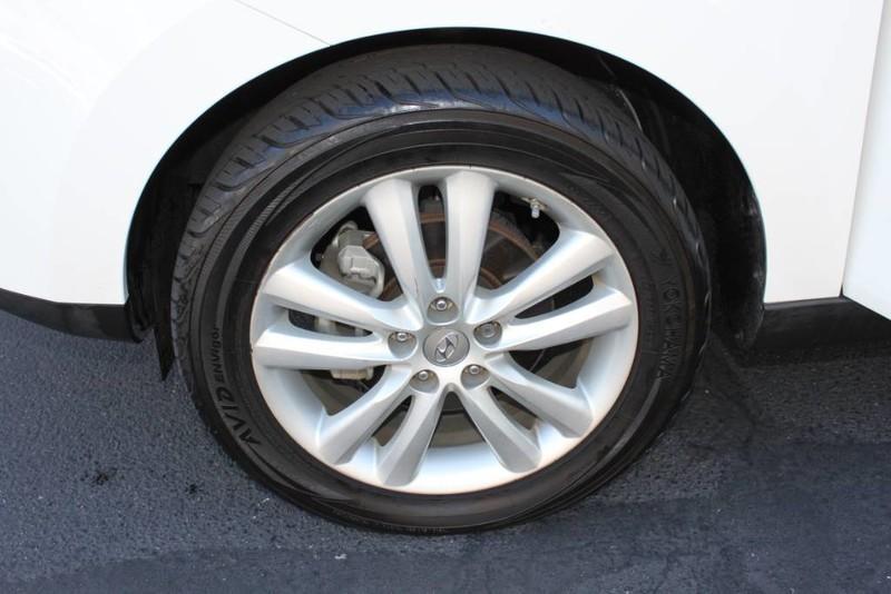 Used-2013-Hyundai-Tucson-Limited-Honda