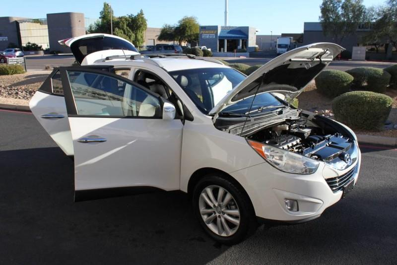 Used-2013-Hyundai-Tucson-Limited-Wagoneer