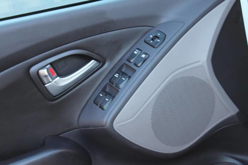 Used-2013-Hyundai-Tucson-Limited-Classic