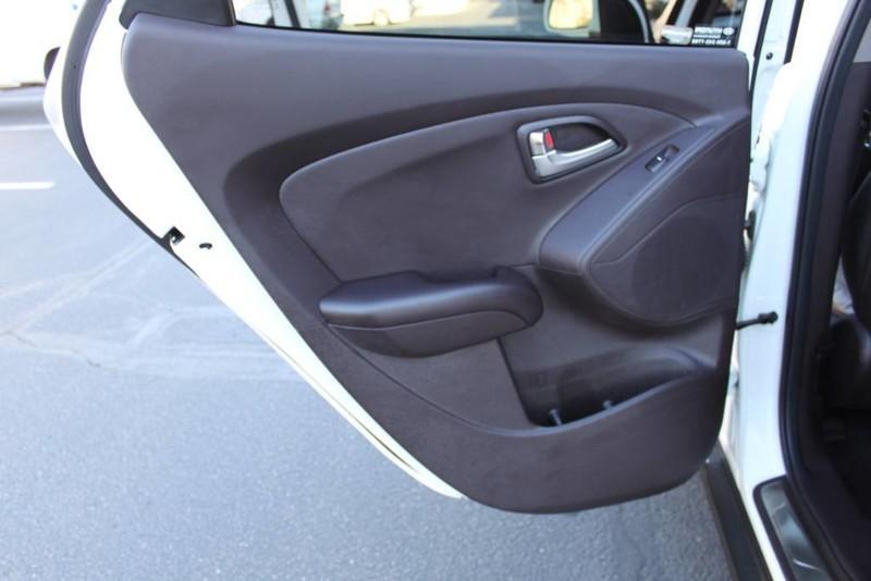 Used-2013-Hyundai-Tucson-Limited-Chevrolet