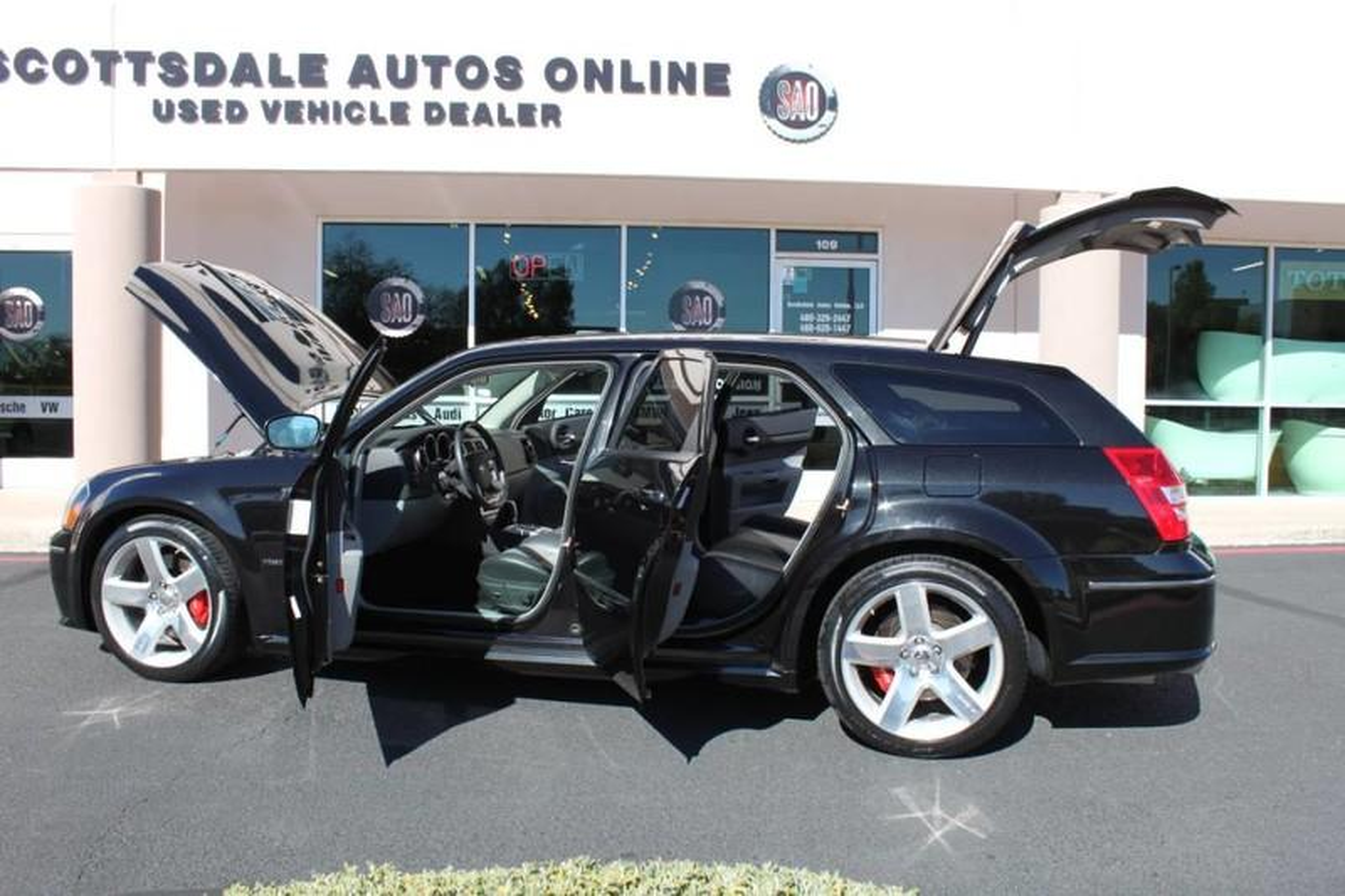 Used-2006-Dodge-Magnum-SRT8-BMW
