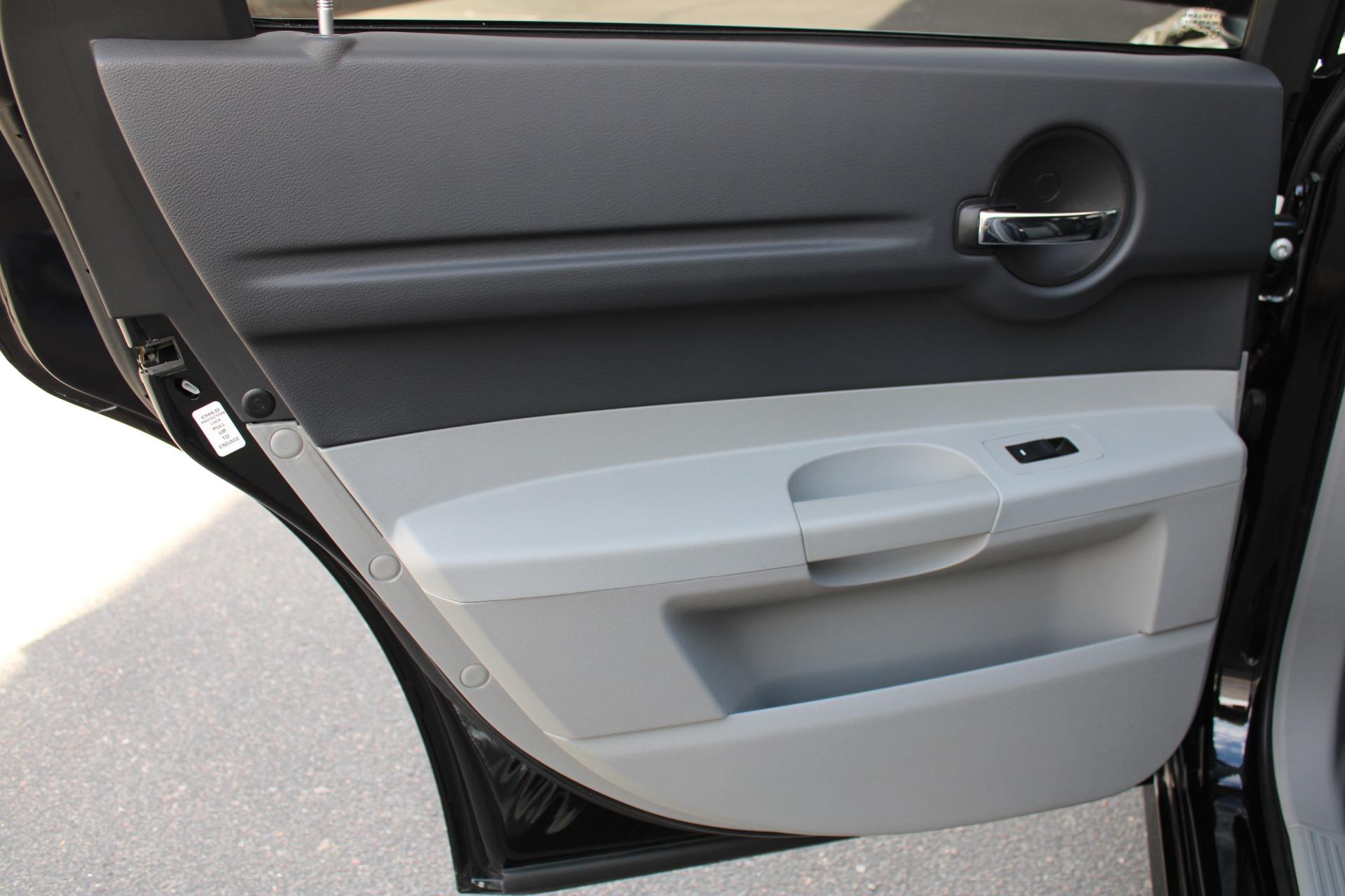 Used-2006-Dodge-Magnum-SRT8-4X4
