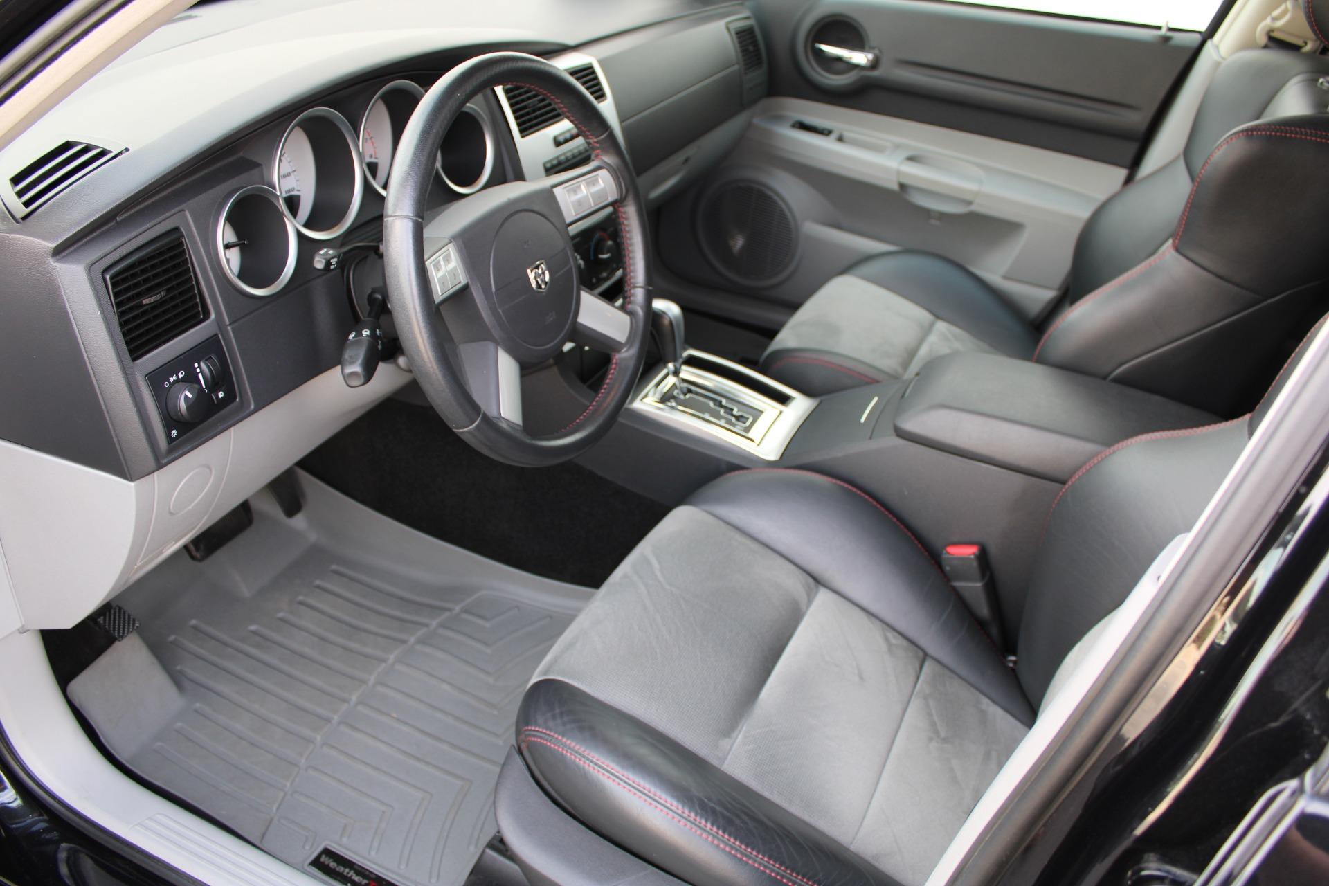 Used-2006-Dodge-Magnum-SRT8-Collector