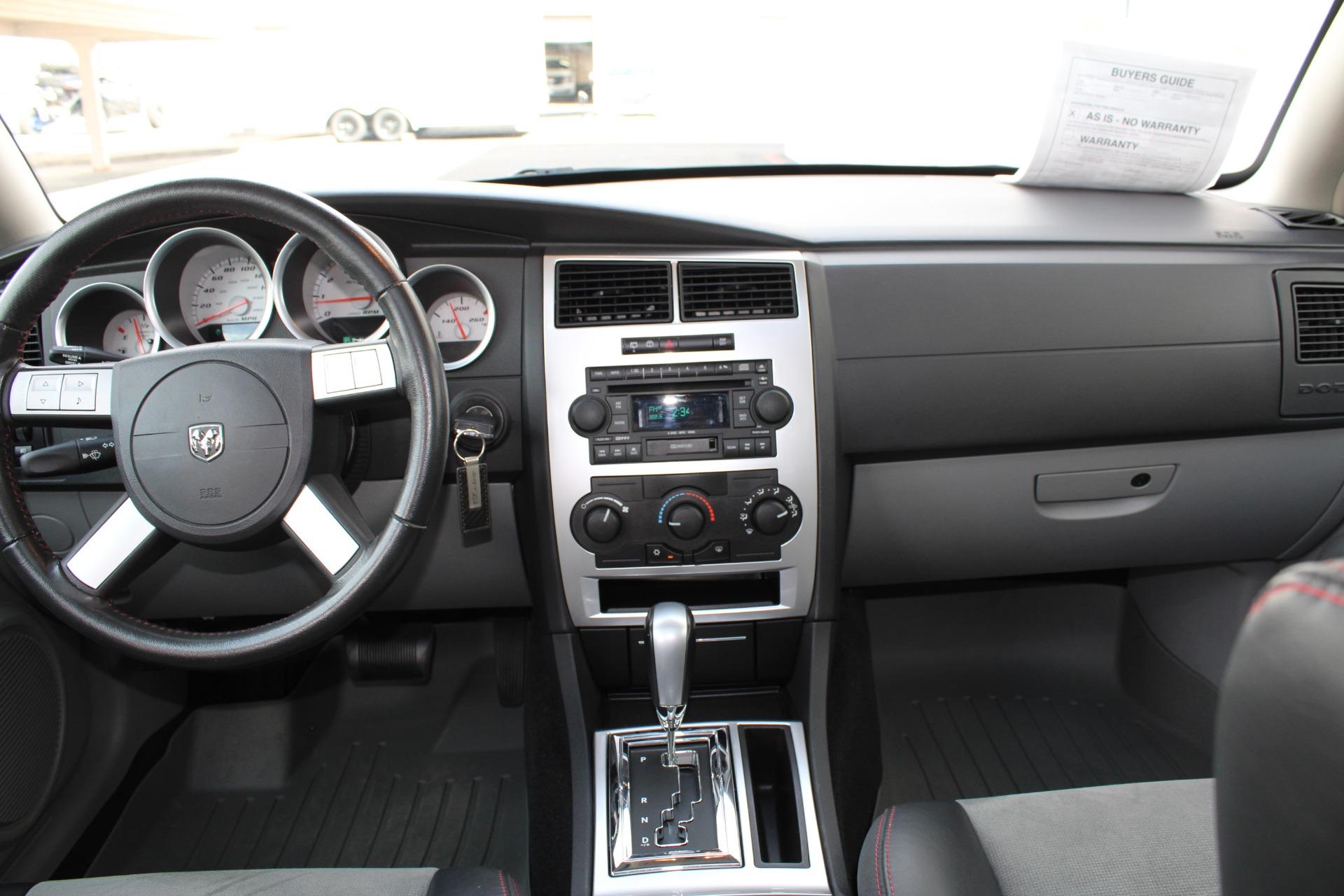 Used-2006-Dodge-Magnum-SRT8-vintage