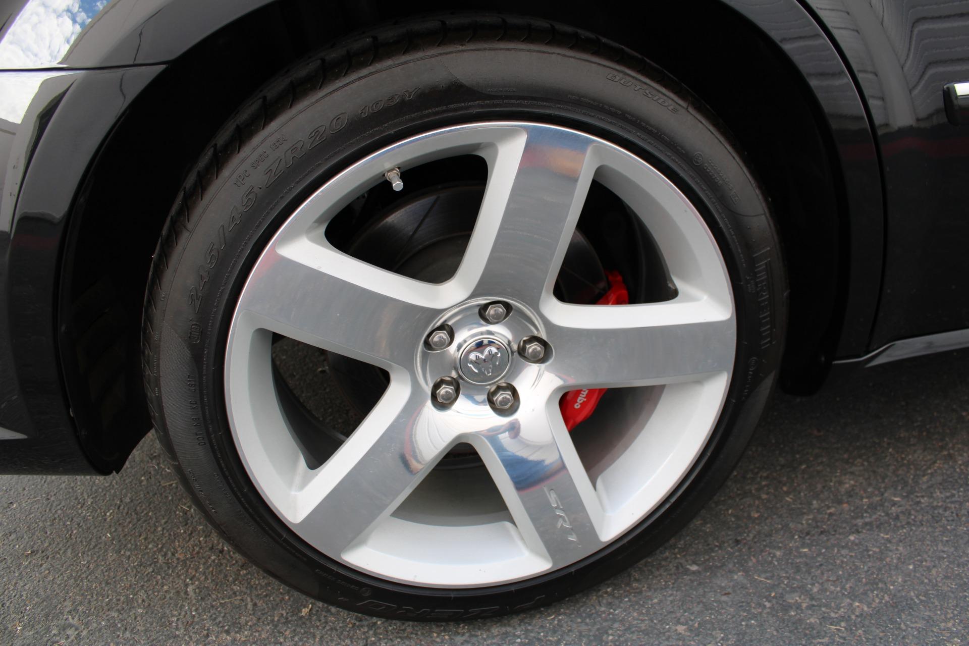 Used-2006-Dodge-Magnum-SRT8-Lamborghini
