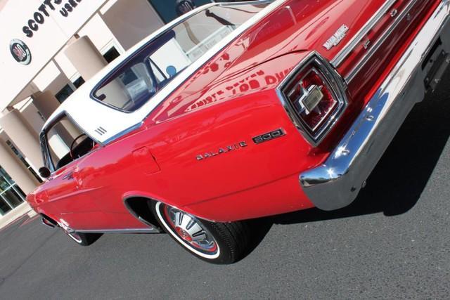 Used-1966-Ford-Galaxie-500-390-cu-in-Ferrari