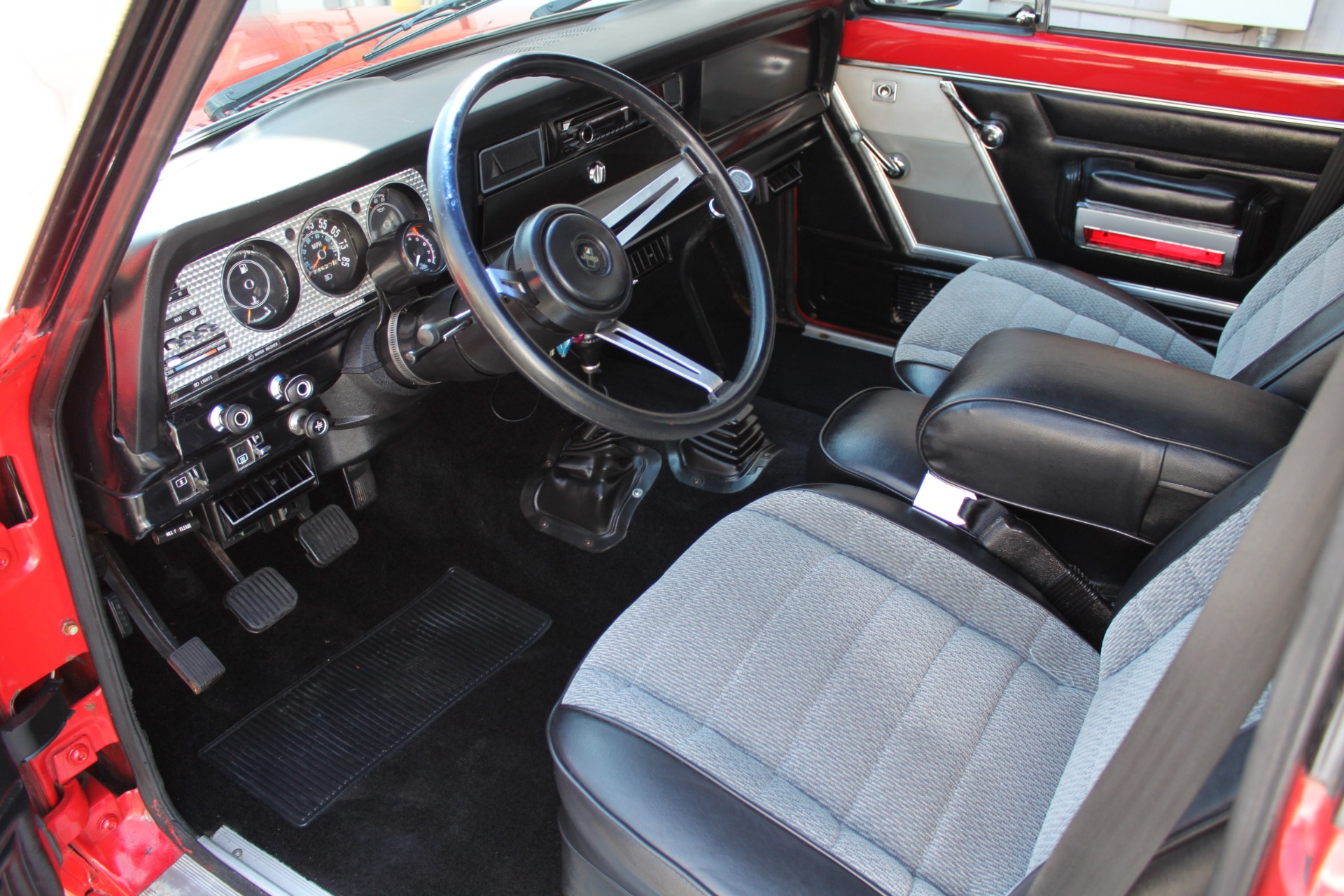 Used-1983-Jeep-Cherokee-4WD-Chief-Collector